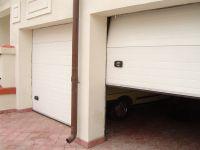 Rulouri usi de garaj